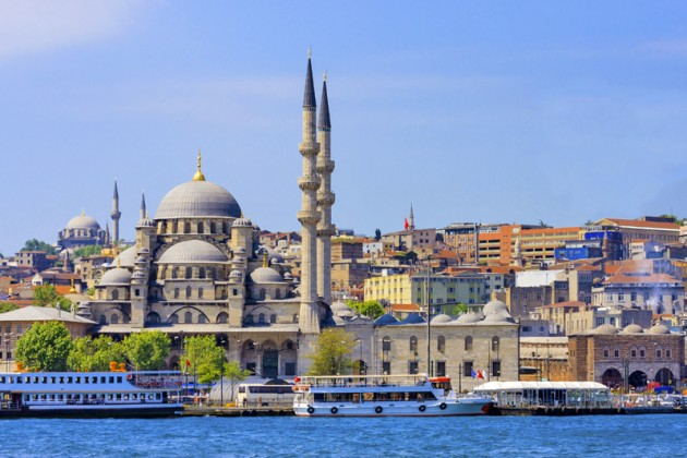 Istanbul New Mosque and Ships