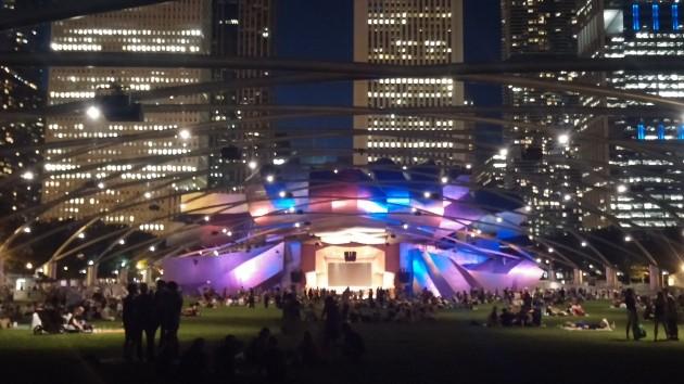 Anfiteatro Millenium Park Vista Noturna - Chicago
