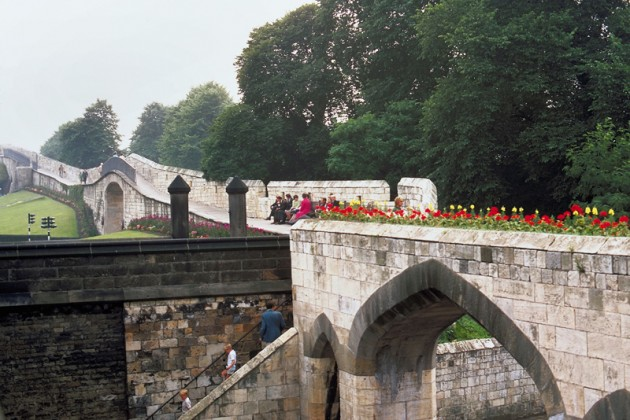York, Inglaterra - Paisagem dos muros da cidade
