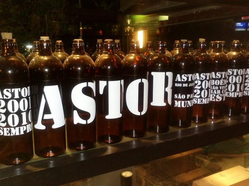 Astor um bar paulista no Rio