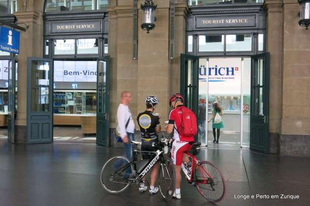 Centro de Informações Turísticas na estação de Trem em Zurique