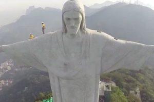 Andando no Cristo Redentor, Rio é maravilhoso.