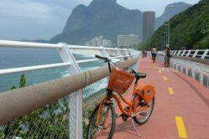 Ciclovia da Avenida Niemeyer no Rio de Janeiro